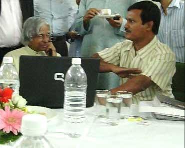 Muruganantham with former Presisent A P J Abdul Kalam.
