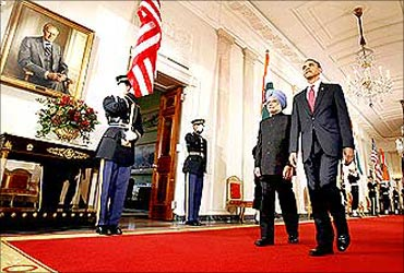 Obama and Manmohan Singh at the White House