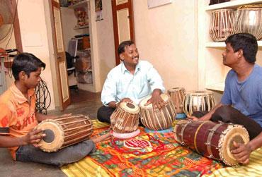 Muthulingam's music class.