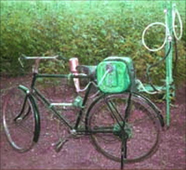 Sprayer on a cycle.