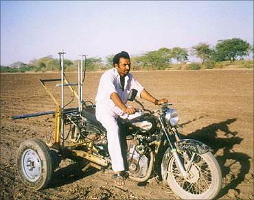 Mansukhbhai Jagani with the Bullet Santi.
