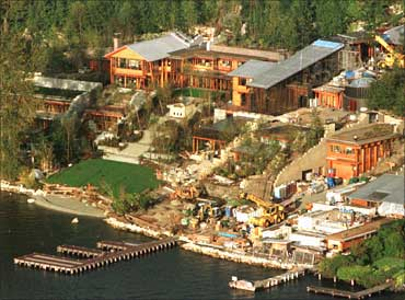 glimpses of bill gates 39 s palatial home business