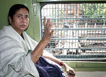 Mamata plans a surprise gift for Obama