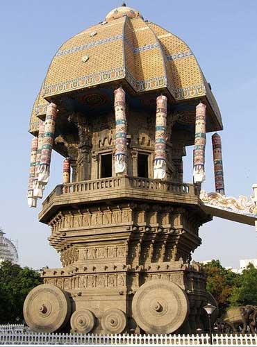 Valluvar Kottam (Thiruvalluvar Monument).