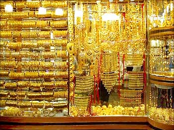 Fake Gold Scam Hammers Hong Kong Jewellers Rediff Com