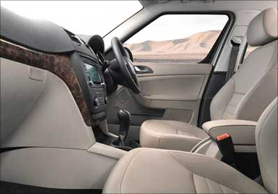 The front seats of Skoda Yeti.
