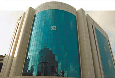 Sebi to snoop on Facebook, Twitter for stock mkt probe