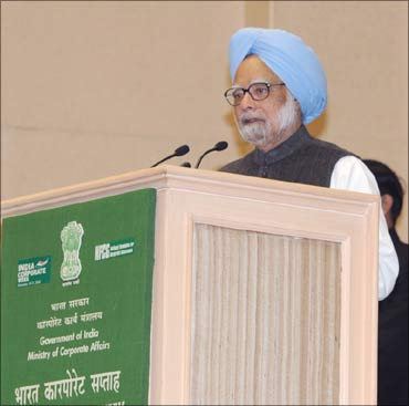 Prime Minister Manmohan Singh delivering the inaugural address at the second India Corporate Week.