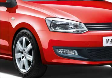 Front head lights of Polo.