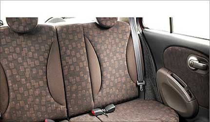 Rear seats of Micra.