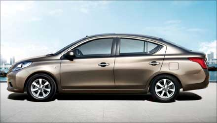 Side view of Nissan Sunny.