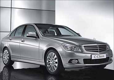 Mercedes-Benz new C-Class full side view.