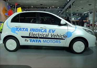 Tata to launch electric Indica Vista by 2011