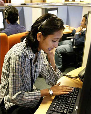 CSC to hire 5,000 in India