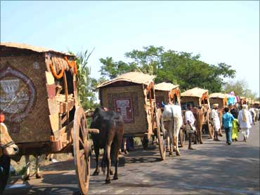The mobile seed banks of Medak.
