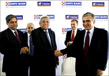 Deepak Parekh, chairman,HDFC Bank, with Rana Talwar, chairman of Centurion Bank of Punjab
