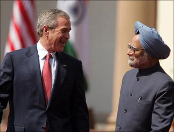 Former US President George W. Bush and Prime Minister Manmohan Singh in New Delhi on March 2, 2006.