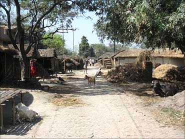 Malahitola village.