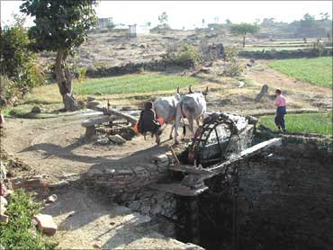 Bengal villages offer lessons in water self-help