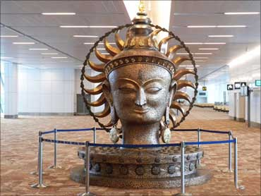 A bronze artifact at T3.