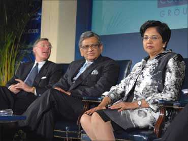 From left,Terry McGraw, Chairman, USIBC, S M Krishna, PepsiCo Chairman Indra Nooyi.