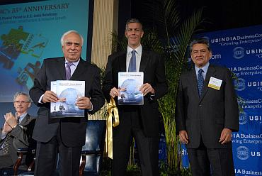 HRD Minister Kapil Sibal (Left) with US Secy of State for education, Aren Duncan and Rajat Gupta
