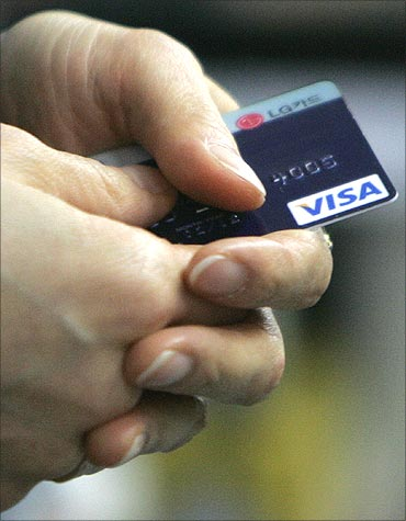 How credit card payments affect your home loans