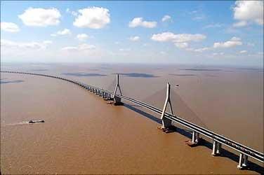 Donghai Bridge.