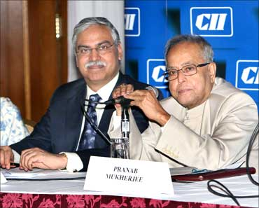 Sunil Kant Munjal, chairman, Hero Corporate Service and Pranab Mukherjee.