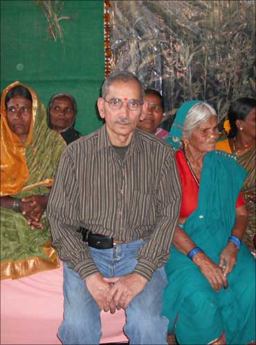 Dr Shiv Chopra with women farmers of Medak district in Andhra Pradesh.