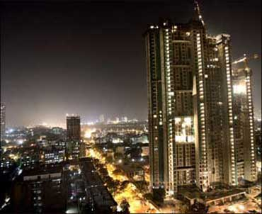Housing prices in Mumbai aim for the sky, again