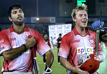 Yuvraj Singh with Brett Lee.