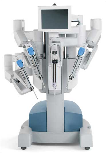 Gujarat to soon boast of Rs 10-cr da Vinci robot surgeon