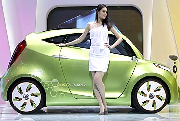 Green cars, new stunners rock at Beijing Auto Show