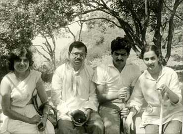(Left to right) Sudha Murthy, Narayana Murthy, Nandan Nilekani and Rohini Nilekani in early 1980s.