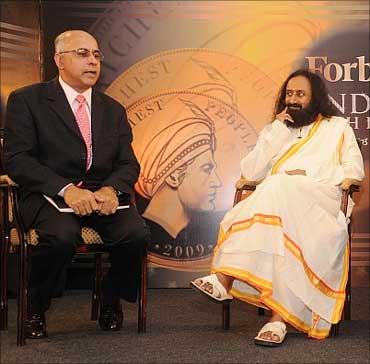Subroto Bagchi with Sri Sri Ravi Shankar.