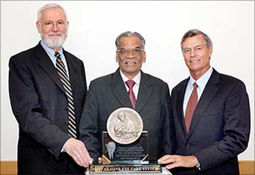 Dr. P. Namperumalsamy receives the Conrad N. Hilton Humanitarian Prize.