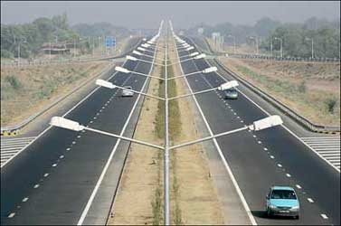 Rs 10,000 crore from road toll in 4 years: Nath