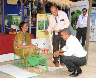 Obama visiting an Agri Expo, at St. Xavier College, in Mumbai on November 7, 2010.