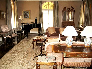 The living room of Madoff's apartment.