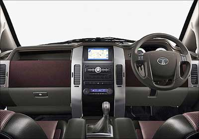 The dashboard of Tata Aria.