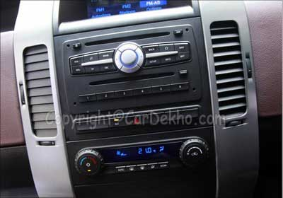 Tata Aria front AC controls picture.