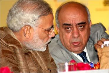 Narenda Modi with Arun Nanda, chairman, CII, Western Region.