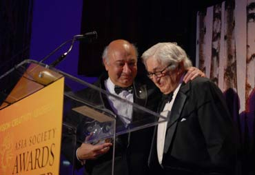 Zarin Mehta, president, New York Philharmonic Orchestra, accepting the award.