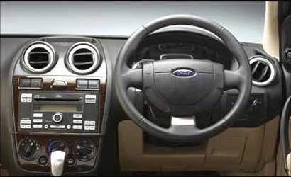 The steering wheel of Fiesta.
