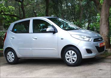 A sideview if Hyundai i10.