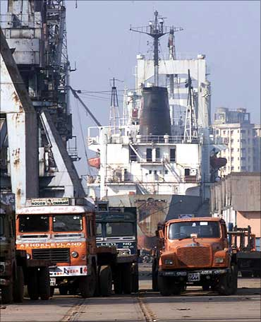 Kolkata Port.