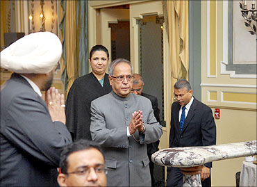 Pranab Mukherjee arrives at the 7th Annual India Investment Forum venue.