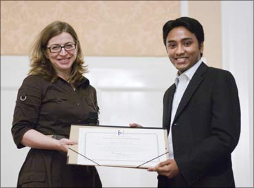 Suhas recieving the Incredible Europe Innovation Award at Vienna.