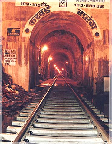 Karbude tunnel.